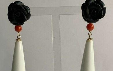 18 kt. Gold - Earrings Coral - white agate and black agate