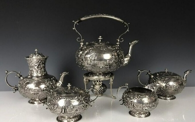 AN EXTENSIVE CONTINENTAL SILVER TEA / COFFEE SET