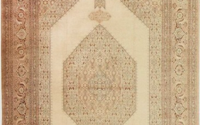 ANTIQUE PERSIAN TABRIZ RUG. 19 ft 7 in x 12 ft 9 in (5.97 m x 3.89 m).