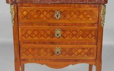 LOUIS XV STYLE AMARANTH AND PARQUETRY PETITE COMMODE, 19TH CENTURY
