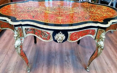 Large violin-shaped table Boulle style