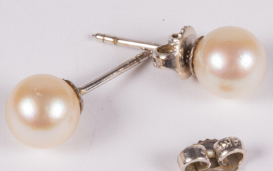 Pair of 14kt White Gold and Cultured Pearl Earrings