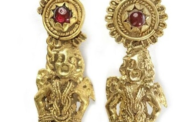 A PAIR OF GOLD EASTERN ROMAN EARRINGS, 1ST-2ND CENTURY