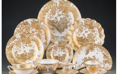 A Royal Crown Derby Gold Aves Pattern Porcelain Dinner and Coffee Service (second half of the 20th century)
