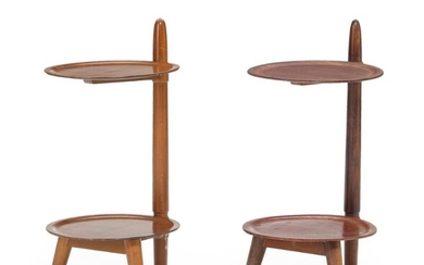 Danish furniture design: A pair of stained beech etageres with nutwood and mahogany shelves. 1940s. H. 62 cm. (2) – Bruun Rasmussen Auctioneers of Fine Art