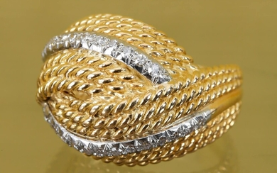 Ring In braided gold with a line of diamonds Finger...