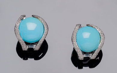 White gold earrings, with a reconstituted turquoise circular cabochon...
