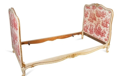 A Louis XV Style Painted and Parcel Gilt Daybed Height