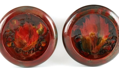 A NEAR PAIR OF MOORCROFT SHALLOW SMALL DISHES WITH