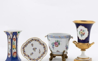 GROUP OF FOUR CONTINENTAL PORCELAIN OBJECTS