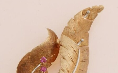 Gold branch brooch with ruby