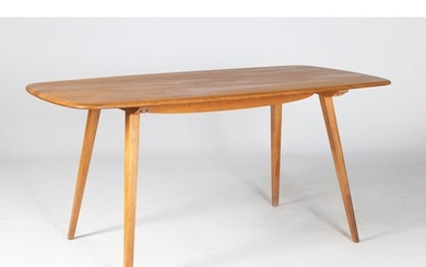 AN ELM AND BEECH DINING TABLE, MANUFACTURED BY ERCOL