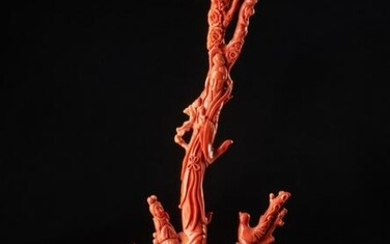 Arte Cinese A large red coral carved with a lady