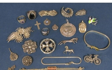Interesting collection of silver and white metal jewellery t...