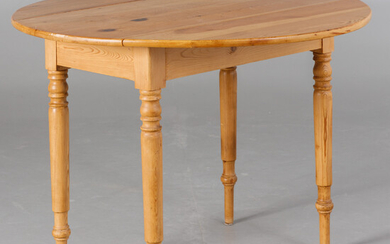 Table with foldable sides, 20th century.