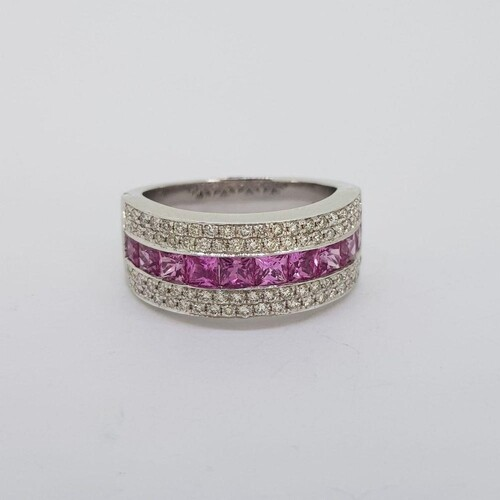 18 carat white gold wide band ring stamped 18K 750. 10 Frenc...