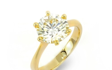 A CLASSIC 6 CLAW SOLITAIRE DIAMOND ENGAGEMENT RING A Classic...