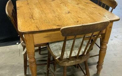 Antique Country Pine Table w 4 Chairs