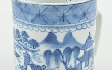 Chinese export porcelain tankard with blue and white
