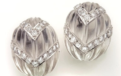 David Webb 18K white gold, platinum, fluted rock
