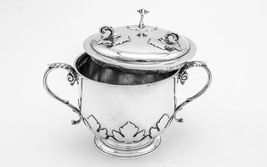 A George V sterling silver porringer cup and cover