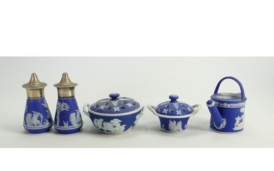 A collection of 19th and early 20th century Wedgwood dip blu...