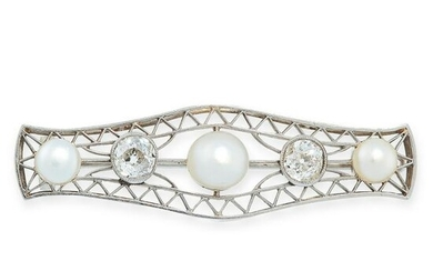 PEARL AND DIAMOND BROOCH, EARLY 20TH CENTURY the open