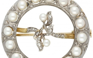18K. Bicolor gold Art Nouveau brooch set with diamond and Akoya pearls.