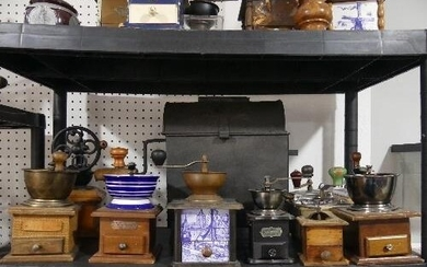 A collection of Vintage and Retro Coffee Grinders, (approx 1...