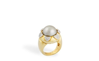 *CULTURED PEARL, DIAMOND AND GOLD RING