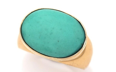 Georg Jensen: A turquoise ring set with an oval cabochon turquoise, mounted in 18k gold. Design 1096. Size 52. Georg Jensen after 1945. – Bruun Rasmussen Auctioneers of Fine Art