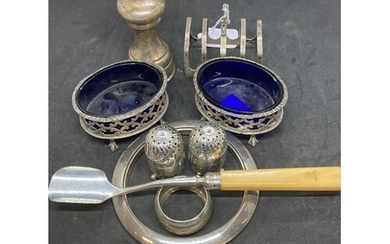 Hallmarked Silver: Small items, pepperettes x 2 Sheffield, t...