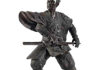 A BIG JAPANESE DECORATED BRONZE SCULPTURE OF SAMURAI EARLY 20TH CENTURY.