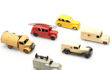 A QUANTITY OF MECCANO DINKY SERVICE VEHICLES.