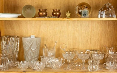 (lot of 29)Two shelves of assorted decorative objects
