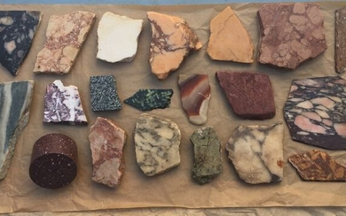 sampling of rare ancient marbles used in ancient Imperial Rome. (20) - Marble - Unkown