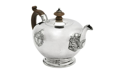 A George III sterling silver teapot, London 1815 by