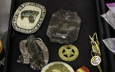 Assorted collection of belt buckles, comprising (10)