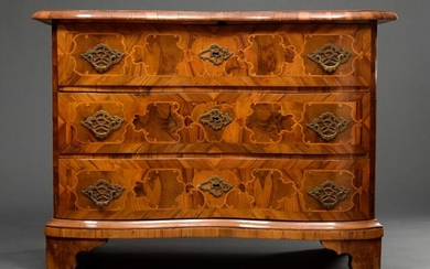 Baroque chest of drawers with double-built front and ornamental inlays,...
