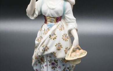 Figure 'Mutter mit Kind' / A figurine of a mother...