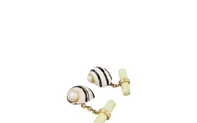 *SHELL, PEARL, AGATE AND GOLD CUFFLINKS