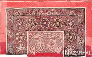 ANTIQUE UZBEKISTAN EMBROIDERED SUZANI. 6 ft 7 in x 4 ft (2.01 m x 1.22 m).
