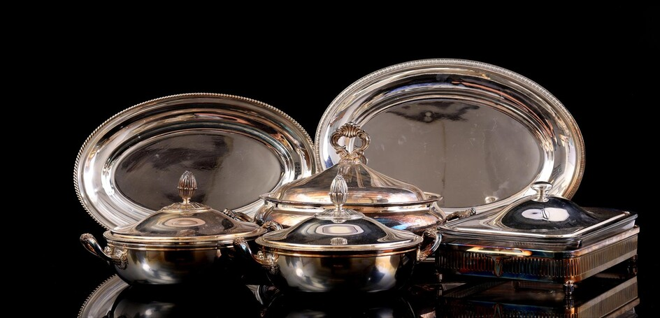 (-), Lot of 3 silver plated serving dishes,...