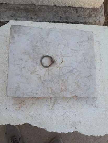 Very ancient empire style tombstone (1) - White Carrara marble stone - Early 19th century
