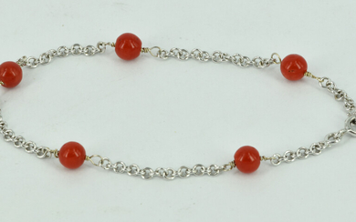 A FINE 18CT WHITE GOLD AND CORAL BRACELET