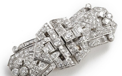 A diamond brooch/double clip set with numerous old, single and baguette-cut diamonds, mounted in platinum and 18k white gold. L. app. 6 cm. Weight app. 30 g. – Bruun Rasmussen Auctioneers of Fine Art