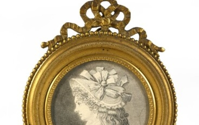 BRIÈRE D'AZY FAMILY. Portrait of Mrs Brière d'Azy, who died in 1840 in Saint-Benin-d'Azy. Miniature engraving preserved under glass in its original gilt bronze frame topped by a ribboned bow. Traces of humidity on one edge, good general...
