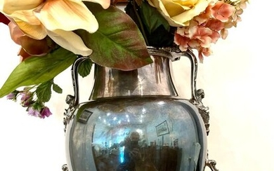 Silver vase or centerpiece - Silver, (tested) - Knight - Italy - 1920-1950