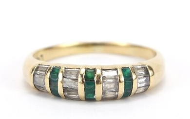 18ct gold green and clear stone half eternity ring, size V, ...