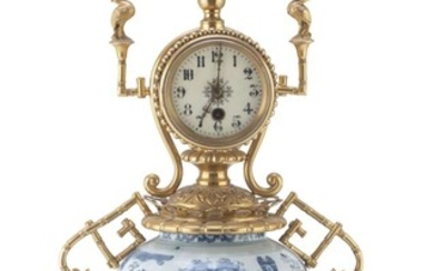 A CHINESE PORCELAIN AND BRONZE TABLE CLOCK EARLY 20TH CENTURY.